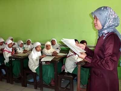 Guru dan Pendidikan