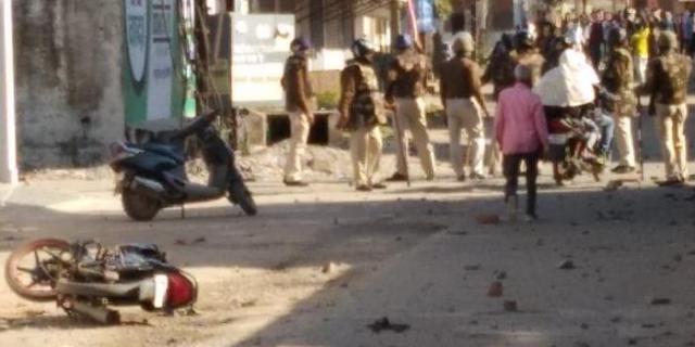 CAA हिंसा रोकने में जबलपुर पुलिस नाकाम, फिर पथराव हुआ   JABALPUR NEWS