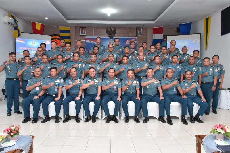 Wakasal Beri Pengarahan Kepada Segenap Perwira TNI AL Se-Kepri