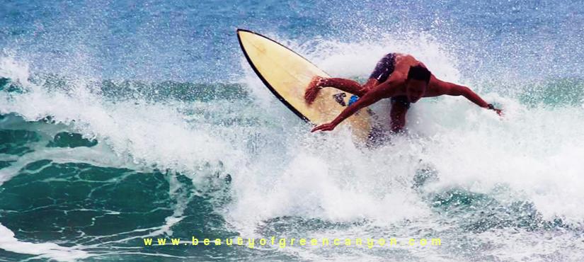 surfing batukaras
