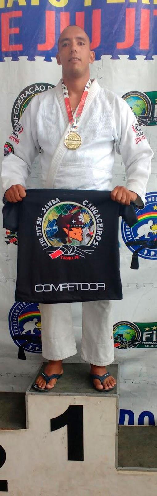 Rodrigo palmeira: Campeão na categoria adulto pesado faixa azul