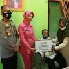 Menyambut HUT Bhayangkara Ke-75, Satuan Lalu Lintas Polres Takalar Gelar Bakti Sosial