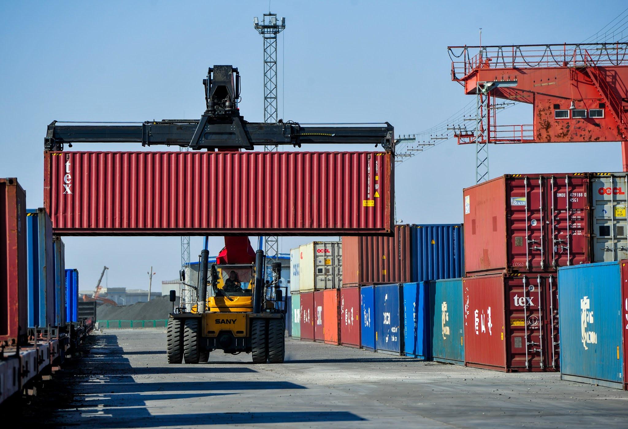 चालु आर्थिक वर्षको १० महिनामा कुल वस्तु निर्यात एक खर्ब आठ अर्बमाथि
