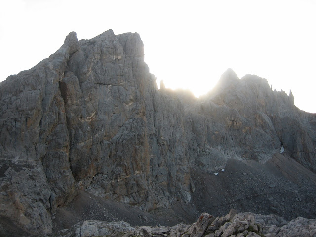 Rutas Montaña Asturias: Torre de Horcados Rojos desde Refugio de Cabaña Verónica
