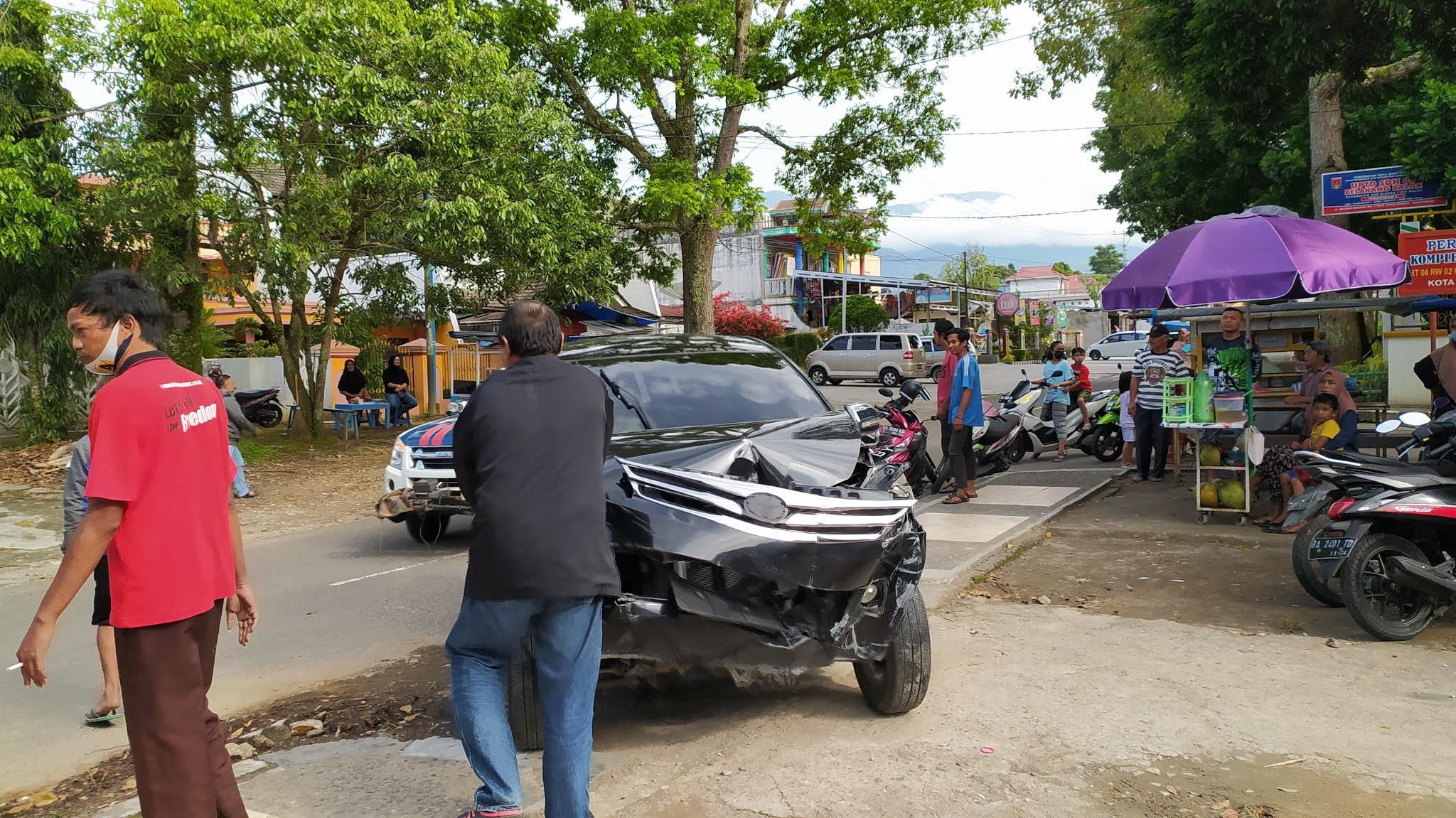 Sebuah Kecelakaan Terjadi Dijalan Batang Masang Belakang Balok Bukittinggi