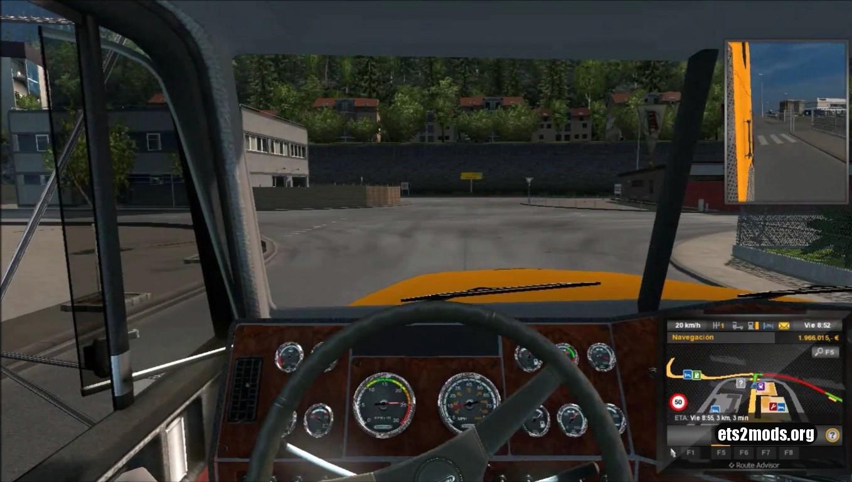 Truck - Freightliner FLD 120