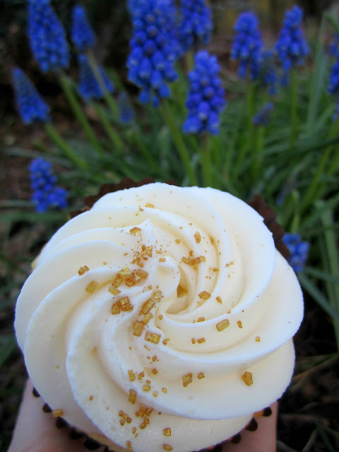 White Rabbit Bakery Apple Irish Cream Cupcake