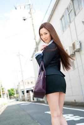 Paha mulus dan seksi dari Asami Ogawa