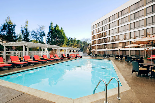 Discover Californian wine country charm in the heart of thriving Silicon Valley at the Pleasanton Marriott. With a convenient location for visiting attractions and businesses, this hotel near Dublin, CA offers a free shuttle within a five-mile radius, including stops at the BART train station and area companies.