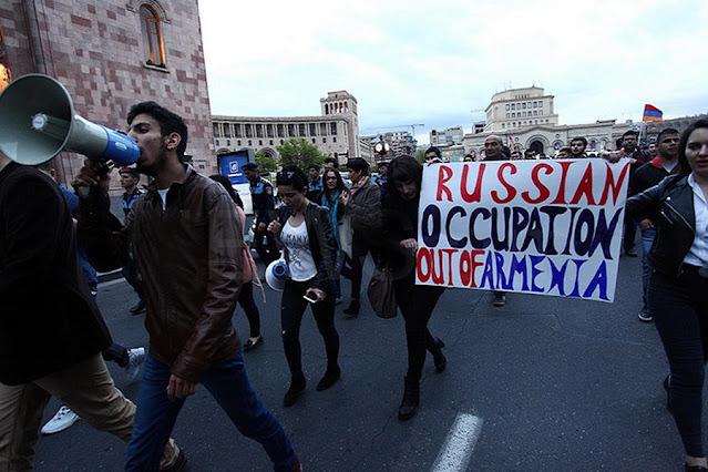 Армянские политики о России: Россия, давай до свидания!