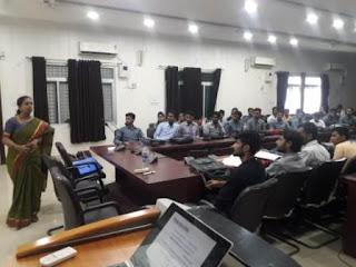 Jaunpur News : बीटेक के विद्यार्थियों को विशेषज्ञों ने बताया सफलता का गुर | #NayaSabera