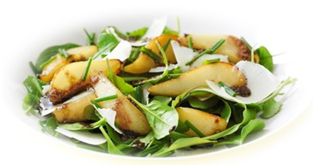 Parmesan-and-roasted-pear-salad