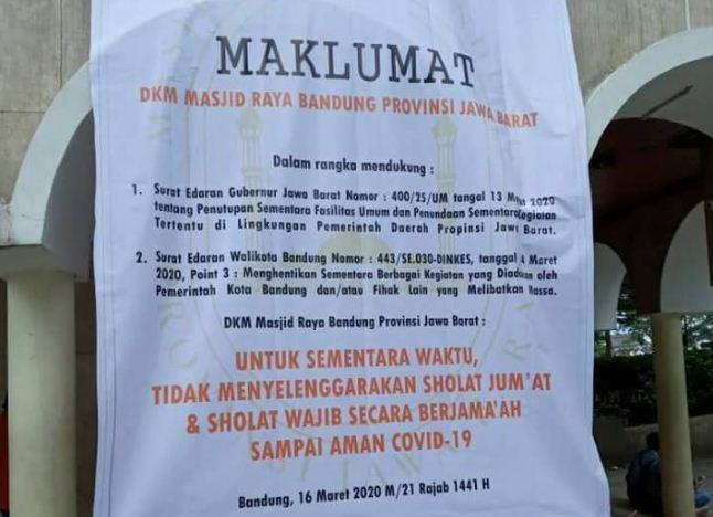 Masjid Raya Bandung Hentikan Shalat Jumat dan Salat Berjamaah