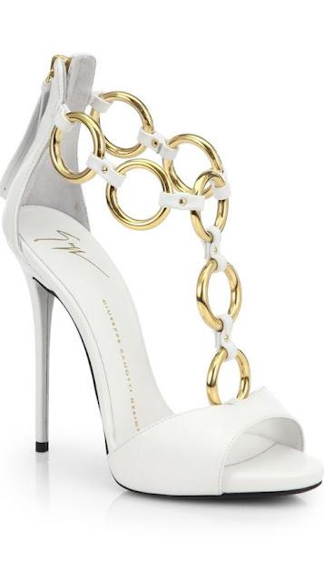 High heel Oulets