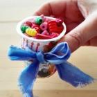 http://www.byterenya.com/2017/06/diy-facil-con-un-envase-de-yogur.html