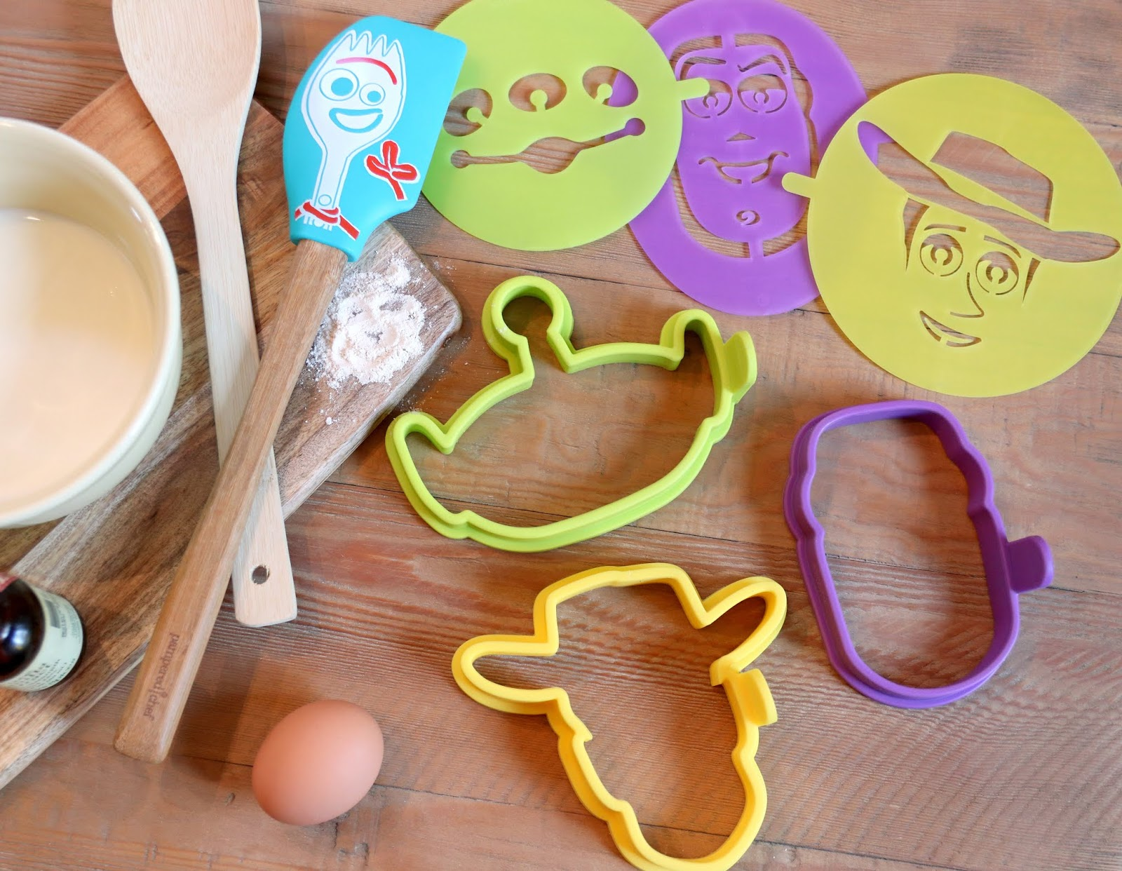 Pampered Chef FORKY SCRAPER silicone head bamboo handle Disney•Pixar Toy Story 4