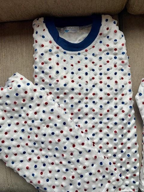 pijama  para niños ref # 028  | blanca con pepitas