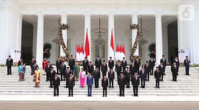 SMRC: Hampir Semua Menteri Jokowi Bingung Hadapi Covid-19