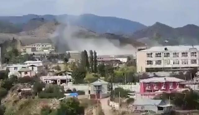 Το Αζερμπαϊτζάν βομβαρδίζει την πρωτεύουσα του Ναγκόρνο Καραμπάχ