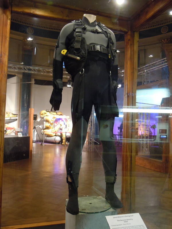 Matt Damon Diving Suit Bourne Identity