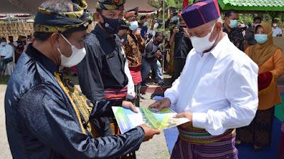 Puluhan SK Desa Wisata Diserahkan Bupati Sukiman