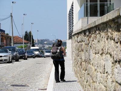 Peregrina no Caminho de Santiago de Compostela