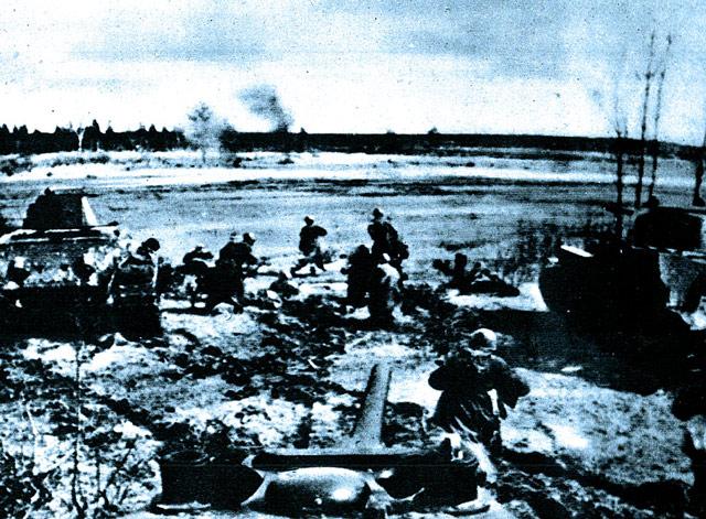 Soviet troops at Kharkov 25 May 1942 worldwartwo.filminspector.com