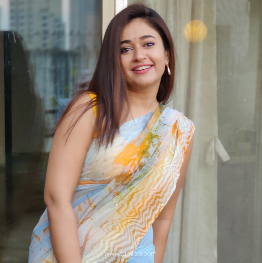 Malayalam Actress Poonam Bajwa