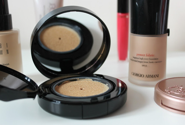 A review of Bobbi Brown Skin Foundation Cushion Compact SPF35