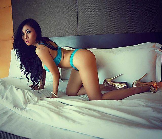 Foto Sarah Ardhelia, tanpa busana, montok, seksi, paha mulus