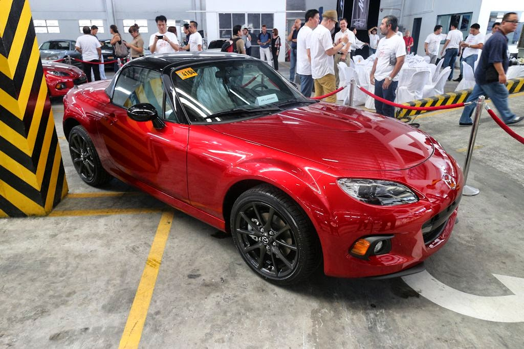 Designed To Celebrate The 25th Anniversary Of The Worldu0027s Best Selling  Two Seater Sports Car, The Mazda MX 5 Anniversary Edition Is An Extremely  Limited ...