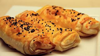 Parçalı Börek Nefis Yemek Tarifleri Börek Tarifleri Parçalı Börek tarifi, hazırlanışı, malzemeleri Tavada Kırpık Börek Tarifi Tava Böreği Nasıl Yapılır Tembel Böreği Pırtık Börek Parça Yufkalardan Börek Tek Yufkalı Çok Pratik Tava Böreği Tarifi  Hazır Yufkadan Yapılan Pratik Börek Tarifi Gurme Hazır Yufkayla Yapabileceğiniz Nefis Börek Tarifi Parçalı Börek Hazırlanışı ile ilgili görseller Peynirli börek tarifi Kolay kıymalı börek tarifi Tava Böreği Nasıl Yapılır Kahvaltılık Tarifler Haberleri  Kolay el açması börek tarifi Kıymalı, ıspanaklı veya patatesli börek Parça Yufkadan Tavada Börek Yemek Tarifleri Meşhur Börekçi Dakikada Hazır Yufkadan Su Böreği Lezzetinde Tava Böreği Tarifi