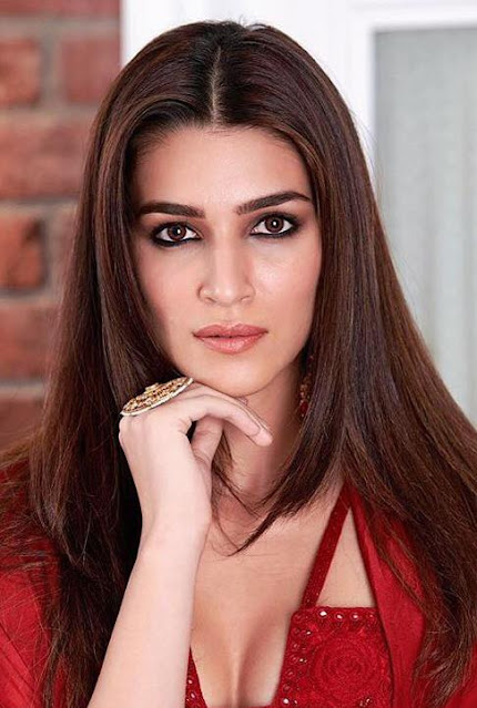 Kriti Sanon  IMAGES, GIF, ANIMATED GIF, WALLPAPER, STICKER FOR WHATSAPP & FACEBOOK