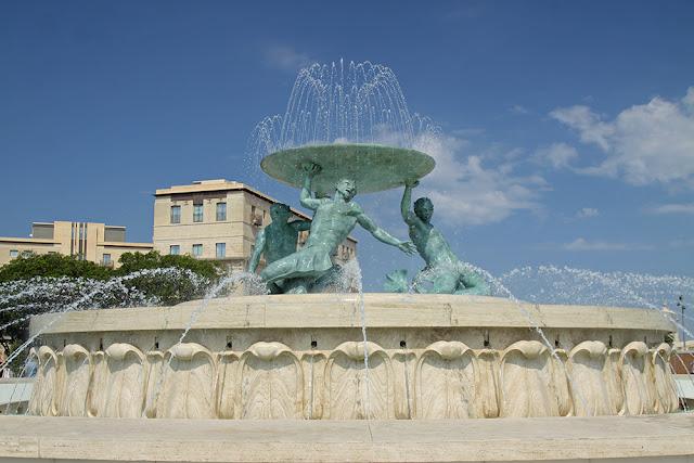 Malta fontanna Trytona
