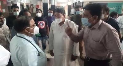 doctors attack corona, डॉक्टरों पर हमला, कोरोन, कोरोना व्यंग्य,  सरकारी अस्पतालों में अस्त-व्यस्त व्यवस्था