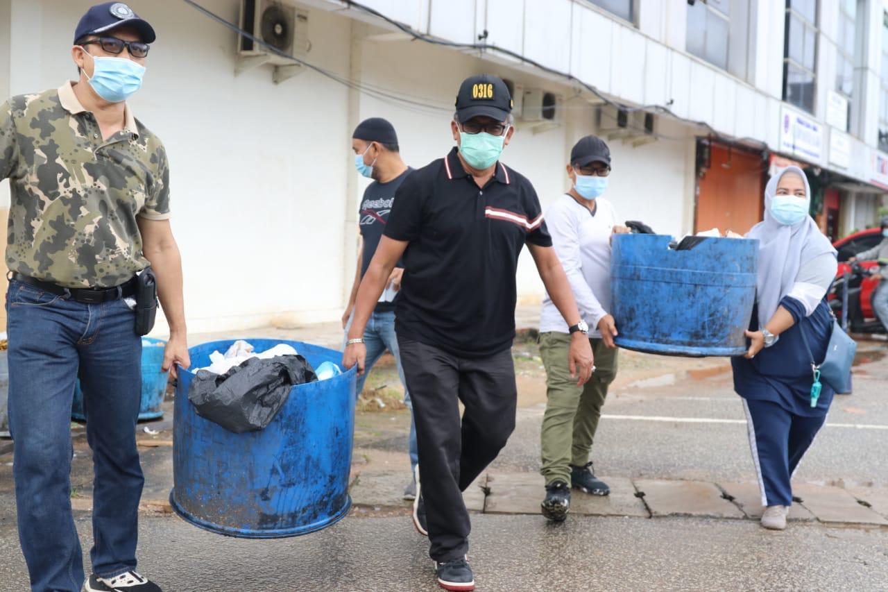 Pemko Bersama FKPD Batam Melakukan Gotong Royong Disembilan Titik, Amsakar Achmad Turun Meninjaunya