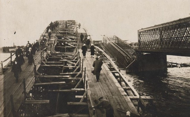 Строительство моста через Даугаву после войны