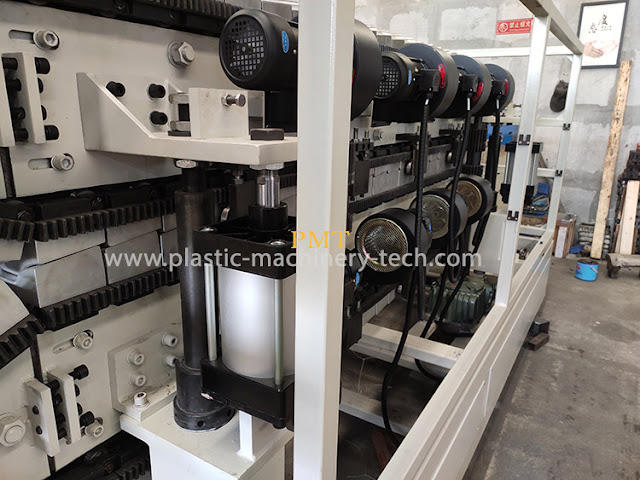 plastic resin tile forming machine picture