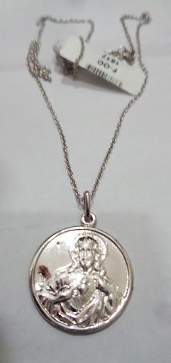 Cadena de plata con medalla escapulario de la Virgen del Carmen y el Sagrado Corazón