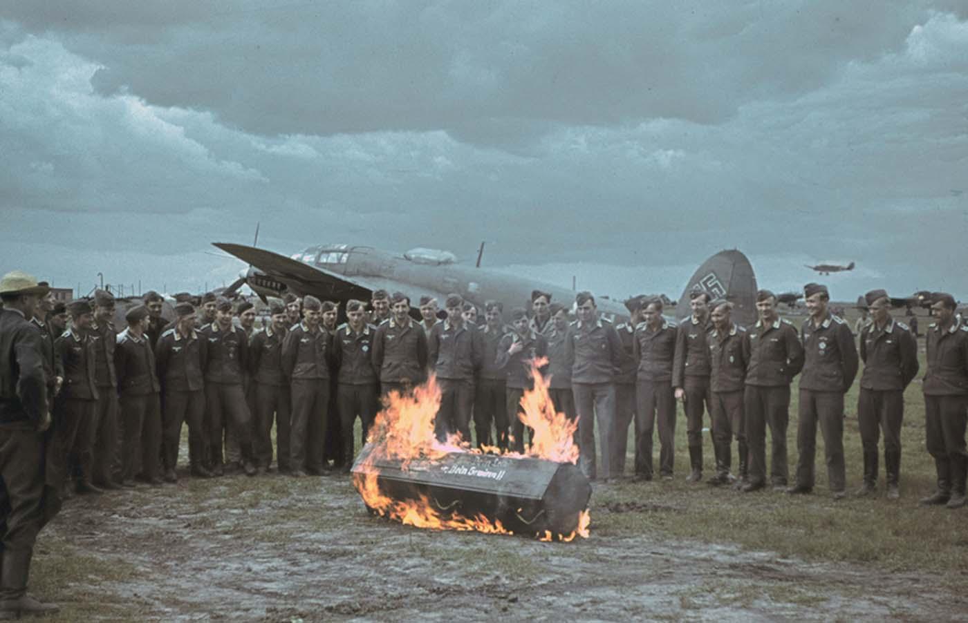 Funeral de un aviador alemán.