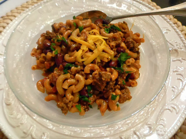 10 One Pot Meals that Dramatically Decrease the Heat in your Kitchen - Chili Mac - Slice of Southern