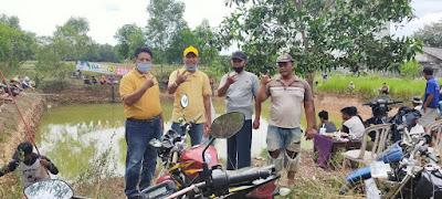 Cawabup Lampung Timur Azwar Hadi Gelar Mancing Gratis di Desa Batangharjo