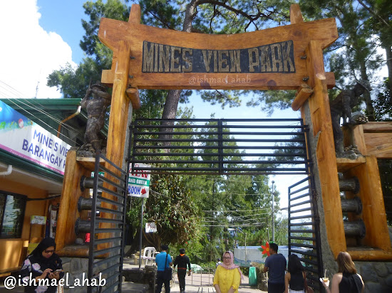 Entrance to Mines View Park of Baguio City