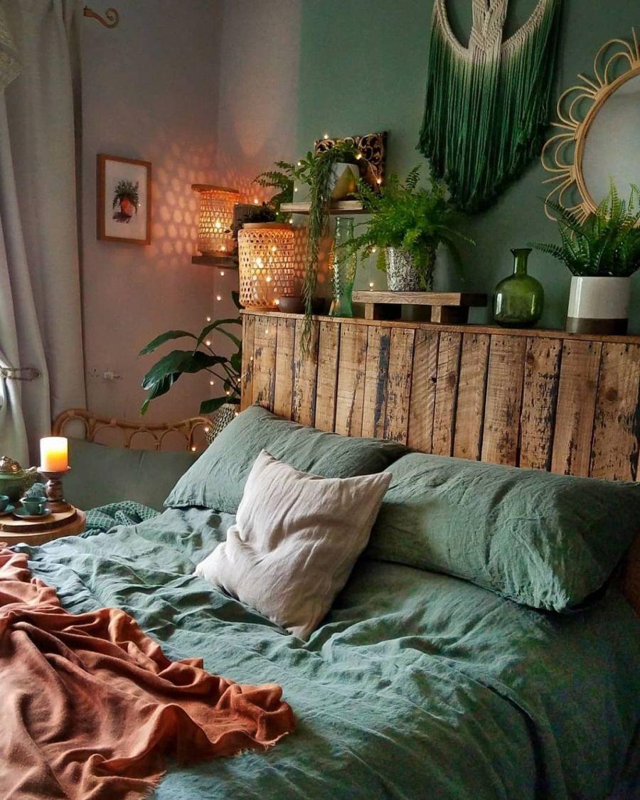 Nieszablonowe mieszkanie z naturą w tle, wystrój wnętrz, wnętrza, urządzanie domu, dekoracje wnętrz, aranżacja wnętrz, inspiracje wnętrz,interior design , dom i wnętrze, aranżacja mieszkania, modne wnętrza, home decor, rustic style, Scandinavian style, industrial style, classic style, styl rustykalny, styl skandynawski, vintage, boho, styl industrialny, styl eco, natura, natural, stonowane kolory, sypialni, bedroom, drewniany zagłówek, urban jungle