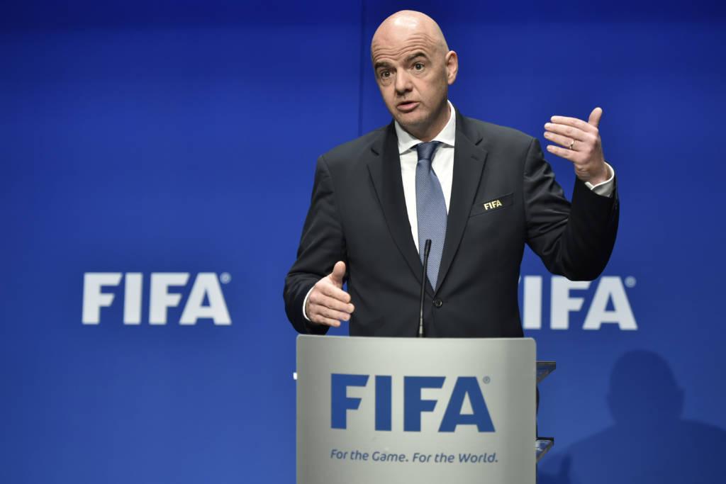 Infantino diz que intenção da Fifa com novo formato é expandir e desenvolver o futebol pelo mundo (Foto: Michael Buholzer/AFP)