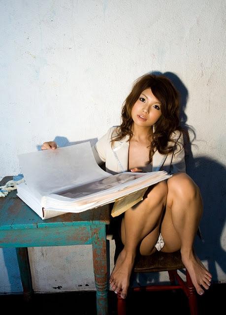 Harusaki Azumi 春咲あずみ Photos 08