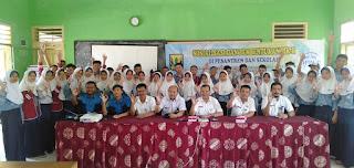 DPPKB Kabupaten Sukabumi Sosialisasikan PIK-R di SMP Negeri 1 Cidahu