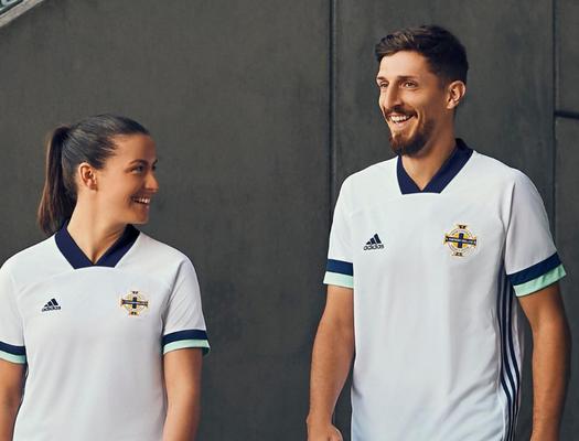 Nuove maglie calcio collezione 2020: maglietta Irlanda del Nord ...
