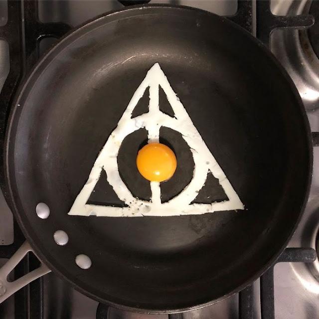 telur aneh