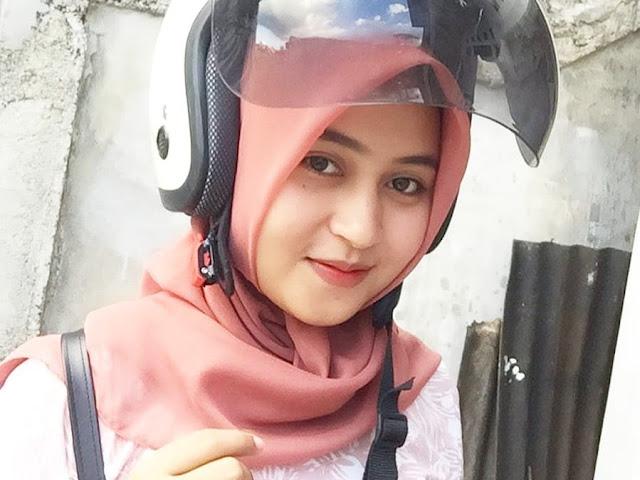 Hijab Girl Profile